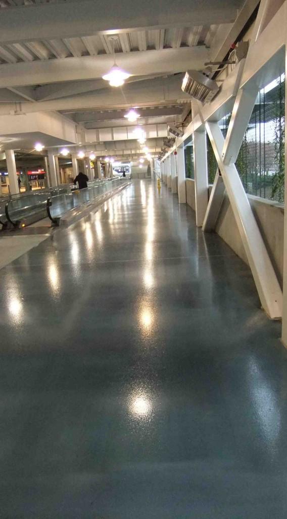 epoxy-flooring-resists-type-amount-traffic